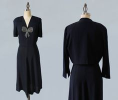 1940er Jahre Kleid und Jacke / Perlen BOW von GuermantesVintage