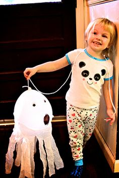Life Sprinkled With Glitter: Halloween Craft: Balloon Ghosts