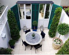 Turn A Terrace into a French Courtyard - The Labyrinth Garden **mirrors add space with appearance of glass French Courtyard, Small Courtyard Gardens, Small Terrace, Small Courtyards, Small Backyard Gardens, Small Backyard Landscaping, Landscaping Ideas, Courtyard Design, Garden Design
