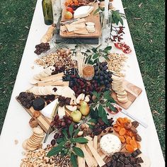 Grazing table Via @ohdarlingbridal  #grazingtable #antipasto #antipastoplatter…