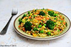 greenwayfood:   Velice výživný a šťavnatýoběd zpšenice špaldy a... Fried Rice, Broccoli, Risotto, Fries, Vegetables, Ethnic Recipes, Fitness, Diet, Bulgur