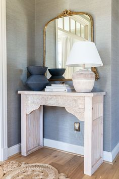 How to build a DIY carved entryway console table Industrial Office Design, Modern Office Design, Craft Projects For Kids, Diy Projects, The Woodhouse, Entryway Console Table, Diy Woodworking, Diy Home Decor, Room Decor