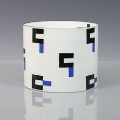 Bodil Manz: Cylinder IV with Blue and Black