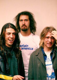 A collection of the best Nirvana band photos, featuring birthday boy Kurt Cobain. Nirvana Kurt Cobain, Nirvana Band, Nirvana Lyrics, Dave Grohl, Pearl Jam, Glam Rock, Kurt Corbain, Rock And Roll, Hard Rock