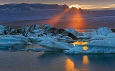 © Mike Reyfman @ mikereyfman.com — in Iceland.