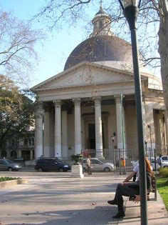 """Inmaculada Concepcion y plaza de Belgrano... más conocida como """"la iglesia redonda""""... Juramento y Vuelta de Obligado, Belgrano."""