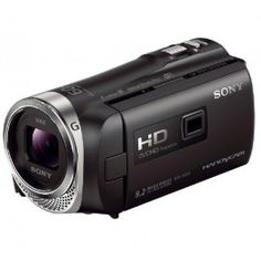 Le caméscope Sony Handycam HDR-PJ330 facilite le partage de vos souvenirs. Cet appareil à mémoire flash embarque un projecteur de 13 lumens ainsi qu'une connectivité WiFi et NFC pour l'envoi d'images vers un smartphone, une tablette ou vers les réseaux sociaux.Ce caméscope numérique filme en haute définition AVCHD 1080p, grâce à son capteur CMOS haute sensibilité Exmor R de 2,29 mégapixels. Il offre une résolution photo de 9,2 mégapixels et il est pourvu d'un processeur d'image Bionz X et…