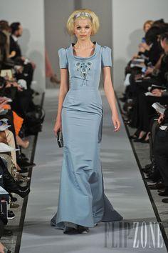 Oscar de la Renta - Ready-to-Wear - Fall-winter 2012-2013 - http://en.flip-zone.com/fashion/ready-to-wear/fashion-houses-42/oscar-de-la-renta-2780 - ©PixelFormula