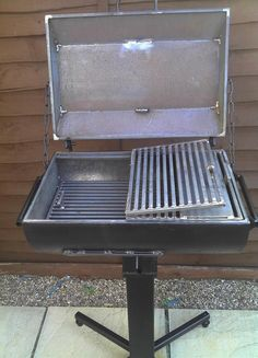 Kestrel Forge - Bespoke artistic metal sculpture and light fabrication incorporating modern and traditional methods. Based in the Staffordshire Moorlands. - Patio BBQ