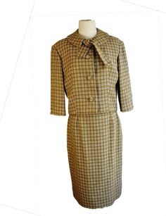 Vintage 1950s early 1960s Box Jacket Plaid Suit. Jackie O Style by COUTURE INT'L.  A classy classic!