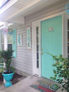 Exterior Shutter Colors, Exterior Front Doors, Ocean Home Decor, Beach House Decor, Beach House Names, Bungalow Decor, Ocean House, House Front Door, Beach Cottage Style