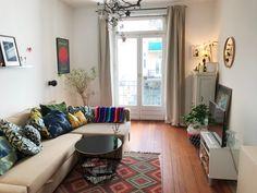 Charmant Helles Wohnzimmer Mit Zugang Zum Balkon. #Wohnzimmer #Einrichtung  #Einrichtungsidee #Sofa #