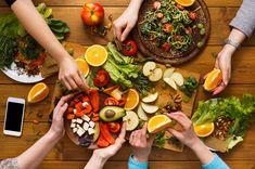 Abnehmen mit der Logi Methode: Was bringt die Low Carb Diät wirklich? – Keep up with the times. Low Protein Diet, Protein Diets, Protein Metabolism, Workout Protein, Protein Power, Healthy Foods To Eat, Healthy Snacks, Healthy Eating, Healthy Detox