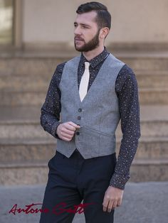 Add some refinement to your outfit with this slim fit waistcoat made of merino wool blend. Men's Waistcoat, Suit Vest, Trench, Wool Blend, Men Sweater, Slim, Blazer, Elegant, Vests