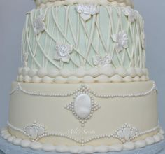 fondant details by Mili's Sweets