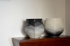 Peter Pincus uses values of gray to create a composition on his work. (Photo by Studio KotoKoto.)