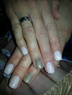 Beige nails by Judit Révész