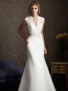Cincinnati's Discount Bridal Shop in Reading's Bridal District. Save off designer wedding dresses and gowns! Save money AND get your dream gown! Designer Wedding Gowns, Designer Gowns, Wedding Day Inspiration, Wedding Ideas, Yellow Wedding, Dream Wedding, Blue Bridal, Bridal Salon