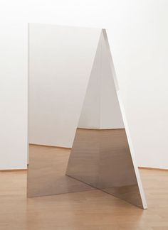 Jeppe Hein. Geometric Mirrors III. 2010. Aluminum, stainless steel, high polished steel (super mirror). 200 x 100 x 100 cm