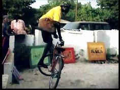 Awesome Senegalese bike tricks!