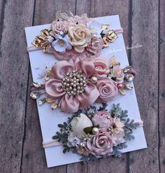Diy Lace Ribbon Flowers, Fabric Flower Headbands, Ribbon Headbands, Vintage Headbands, Baby Girl Headbands, Newborn Headbands, Flower Hair Clips, Flowers In Hair, Fabric Flowers