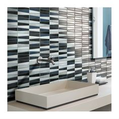 Glass mosaic painted on the surface in contemporary sizes and colors. Matt finish, 8 mm thickness, on mesh. Ok wall. Types Of Wood Flooring, Solid Wood Flooring, Laminate Flooring, Cork Wood, Italian Tiles, Tile Manufacturers, Different Types Of Wood, Mosaic Glass, Plank
