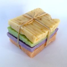 idea for grab bag for oops soaps Handmade Cosmetics, Handmade Soaps, Beer Soap, Soap Bar, Essential Oils Soap, Homemade Candles, Home Made Soap, Diy Christmas Gifts, Soap Making