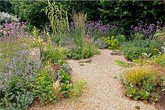 Gravel gardens - low maintenance garden tips. Dry Garden, Gravel Garden, Garden Paths, Garden Bed, Garden Tips, Garden Ideas, Pebble Garden, Gravel Landscaping, Gravel Driveway