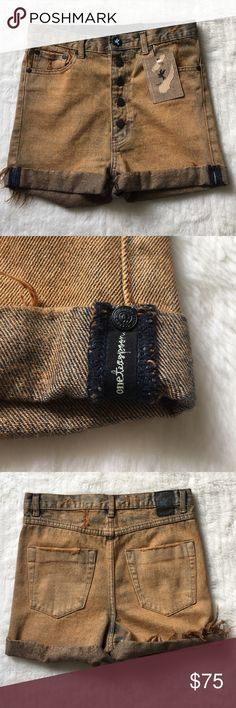 """NWT One Teaspoon Lovers Shorts size 25 NWT One Teaspoon Lovers Shorts size 25. Fits a size 2. Waist measures 14.5"""" inches and rise is 12"""" inches. Please look at pictures for better reference. Happy shopping! One Teaspoon Shorts Jean Shorts"""