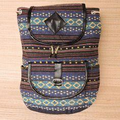 Você leva o que é mais importante nas mochilas com tramas em desenhos étnicos.  Por só R$ 5990 cada.  Saiba mais pelo nosso whatsapp: 13 98216 6299