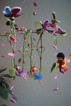 Reserved for Victoria - Big fairies mobile - waldorf inspired, needle felted via Etsy Más Fairy Crafts, Felt Crafts, Diy And Crafts, Wet Felting, Needle Felting, Diy Laine, Waldorf Crafts, Felt Fairy, Flower Fairies