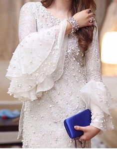 45 Trending sleeve designs for salwar suits in 2020 Pakistani Dresses Casual, Indian Gowns Dresses, Pakistani Bridal Dresses, Pakistani Dress Design, Casual Dresses, Bridal Anarkali Suits, Wedding Salwar Suits, Pakistani Fashion Casual, Designer Party Wear Dresses