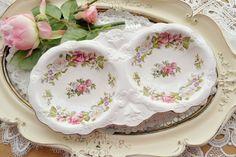 Beautiful vintage Old Foley porcelain dish.