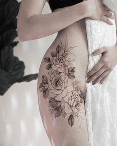 Rose Tattoo On Hip, Flower Hip Tattoos, Hip Thigh Tattoos, Floral Thigh Tattoos, Hip Tattoos Women, Beautiful Flower Tattoos, Sexy Tattoos, Rose Tattoos, Body Art Tattoos
