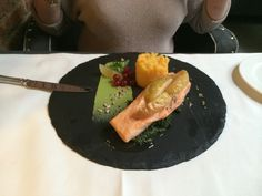 Delicious salmon with spinach, apples and carrot puree. Absolutely fantastic !