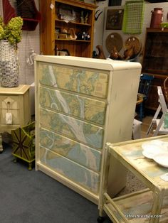 Mod Podge Map Dresser Painted Furniture Makeover could use a map of the lake! Furniture Projects, Furniture Making, Furniture Makeover, Home Projects, Home Furniture, Furniture Refinishing, Luxury Furniture, Diy On A Budget, Furniture Inspiration