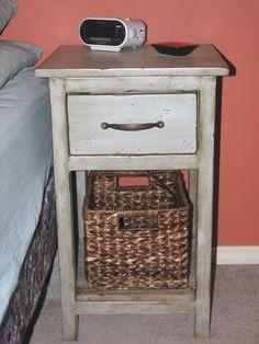 Mini Farmhouse Bedside Table - Free DIY Furniture Plans from Ana White Ana White Beds, Small White Bedrooms, White Rooms, Small Rooms, Easy Diy Projects, Home Projects, Bedroom End Tables, Bedside Tables, Farmhouse Table Plans