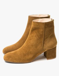 From ATP Atelier, a classic boot in Mustard. Featuring a suede upper, zip…