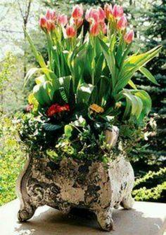 Pretty concrete flower pot