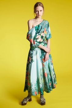 Since Alessandro dell'Acqua took the creative helm at Rochas just a couple of years ago, we've admired they way in which he's injected beautiful juxtapositions into the brand. Architectural femininity, lightweight volume, casual decadence . . . it always works. For his resort collection,