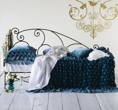 """a Bed that launched a thousand ships""... just like my favorite peacock colored 1920s silk velvet jacket!"