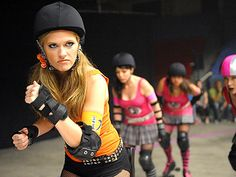 One of the top five episodes of Psych, Jules as a roller derby girl. Jules as a roller derby girl, just all sorts of hotness! Psych Season 3, Shawn And Gus, Shawn Spencer, Maggie Lawson, Psych Tv, The Cable Guy, Roller Derby Girls, Only In America, Brooklyn Nine Nine