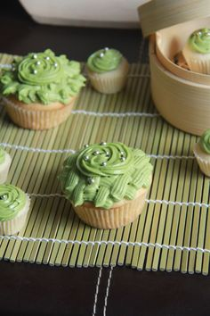 I've gone a little wacky with frosting today. I used a closed star tip to pipe roses and swirls on the mini cupcakes, and I also did a bask. Green Tea Cupcakes, Almond Cupcakes, Fun Cupcakes, Matcha Cupcakes, Japanese Matcha Tea, Matcha Green Tea, Cupcake Flavors, Cupcake Recipes, All You Need Is