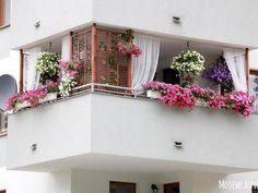 Balkon 59 Creative Small Balcony Decor for Best Spring Ideas – Balkon ideen Apartment Balcony Garden, Apartment Balcony Decorating, Apartment Balconies, Small Balcony Decor, Small Balcony Garden, Small Balconies, Small Balcony Design, Balcony Flowers, Interior Design Living Room