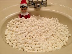 Elf on the Shelf idea: Marshmallow bath #elfontheshelf