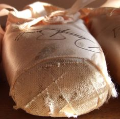 These pointe shoes belonged to Darcey Bussell. My all time favorite ballerina! Ballet Feet, Ballet Tutu, Ballet Dance, Pointe Shoes, Ballet Shoes, Dance Dreams, Dance It Out, Dance Poses, Royal Ballet
