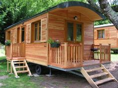 The Camping du Lac de Bournazel is a shaded campsite at the heart of the Correze, overlooking the lake of Bournazel with a friendly and warm atmosphere. Shed Plans, House Plans, Tiny Living, Living Spaces, Camping, Canopy And Stars, Shepherds Hut, Gypsy Wagon, Modular Homes