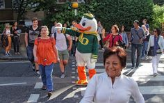The Oregon Duck crosses Abbey Road in London with the help of the locals who loved him.