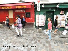 Watch out, keep your wallet secure. Montmartre, Place du Tertre, Paris.