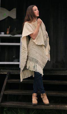 Ruana Wrap, Cape Poncho, Cloak wool poncho, Undyed wool #organic #blanquet #warm #fringes #merino